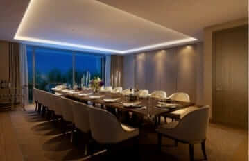 <p><strong>Private Dining Room<br /> </strong>Entertain guests or host magical family gatherings in our generously proportioned private Dining Room.</p>