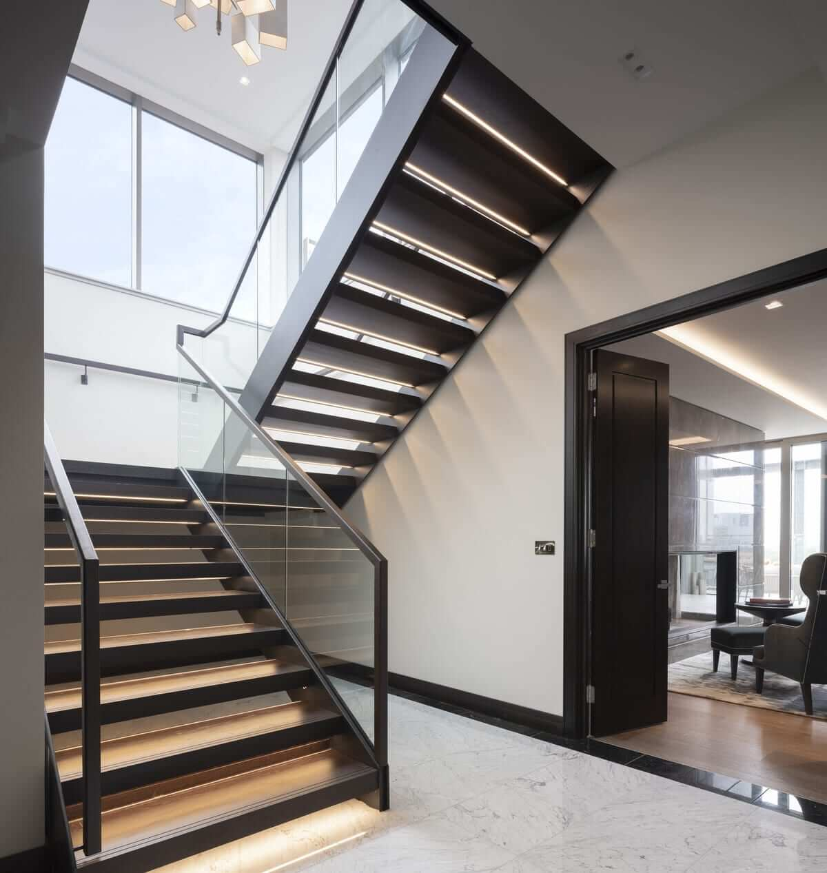 Lansdowne Place | Penthouse Entrance Lobby to Roof